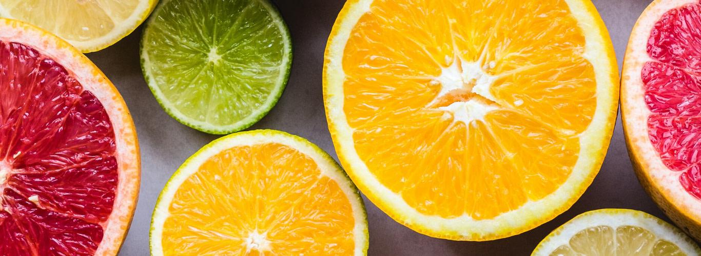 Ruedas de frutas cítricas. Vitamina C para subir las defensas